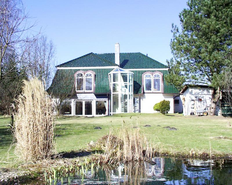 Exklusive Landhaus-Villa auf 250 m² - auch für 2 Familien - in Hasenkrug !