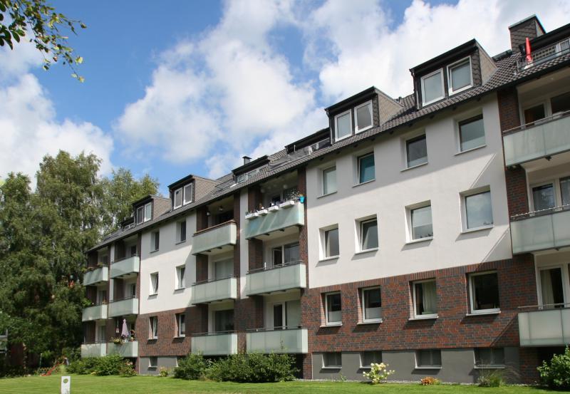 Sonnige Dachgeschoss-Wohnung - Zentral in Henstedt-Ulzburg !