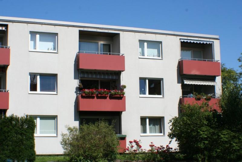Zentral und im Grünen gelegene 2,5 Zi.-Wohnung in Henstedt-Ulzburg !