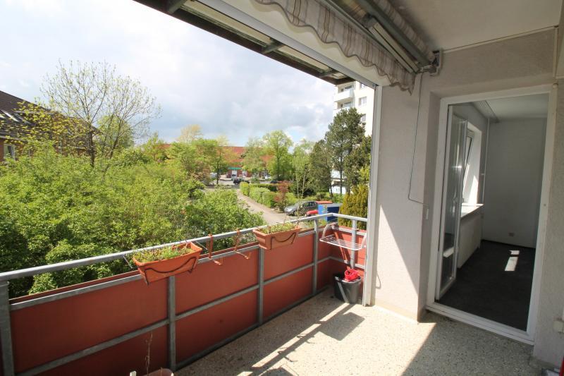 MIETE REDUZIERT! Zentral und im Grünen gelegene 2,5 Zi.-Wohnung in Henstedt-Ulzburg !