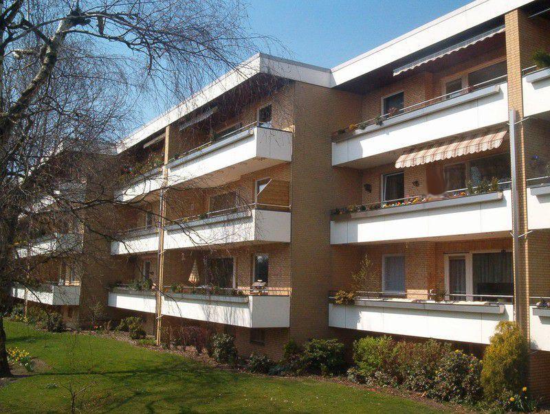TraumWohnung mit Riesen-Loggia - großzügige 3 Zimmer in Henstedt !
